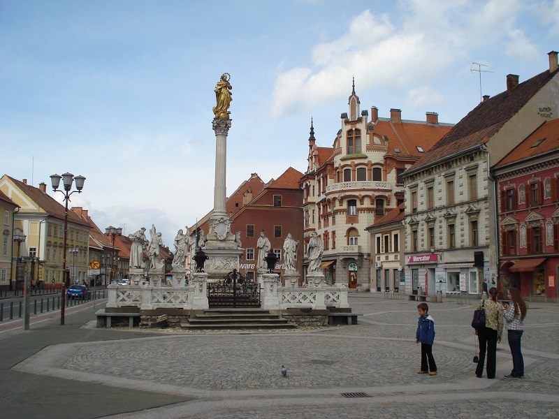 Maribor - Glavni trg - Slovenija-1